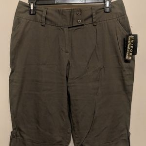 ~Army Green knee shorts~Size 14~NEVER WORN~